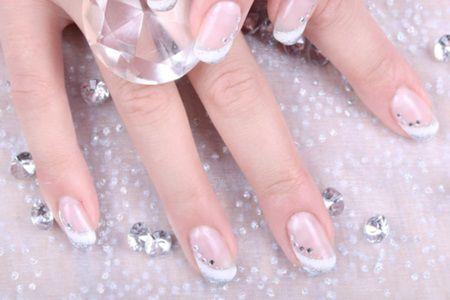 Manichiura de nunta pentru unghii scurte 2015