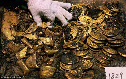 Au deschis mormantul unui imparat de acum 2.000 de ani si au incremenit