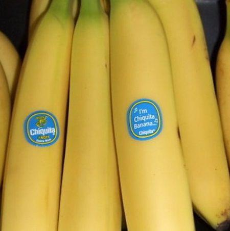 Fiti atenti atunci cand cumparati fructe. Ce inseamna numerele de pe autocolantele de pe banane, portocale, mere?