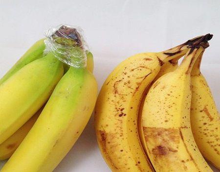 Un truc incredibil de simplu: Cum pastrezi bananele in stare proaspata mai mult, fara a aparea pete intunecate