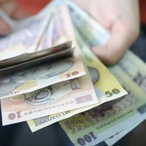 De la 1 iulie primesti bani de concediu. Care e suma ce ti-o ofera statul sau angajatorul pentru vacanta