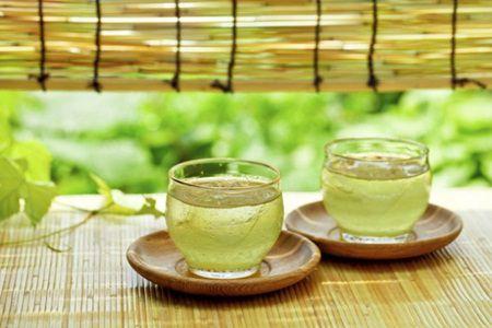 5 bauturi naturale pentru detoxifierea organismului
