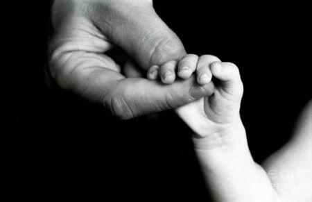 Un bebelus s-a nascut deja batran
