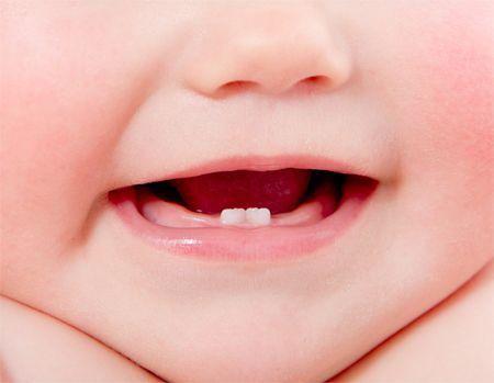 Cum putem proteja cavitatea bucala a bebelusilor