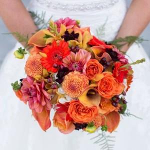 Buchete de mireasa toamna 2015: se poarta buchetele din crizanteme