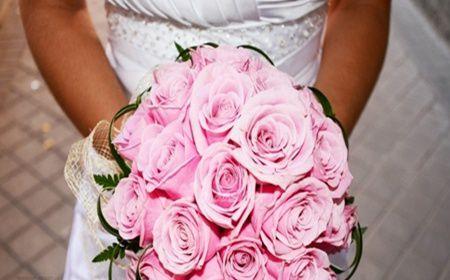 Buchetul de mireasa cu trandafiri, must have pentru nuntile din toamna