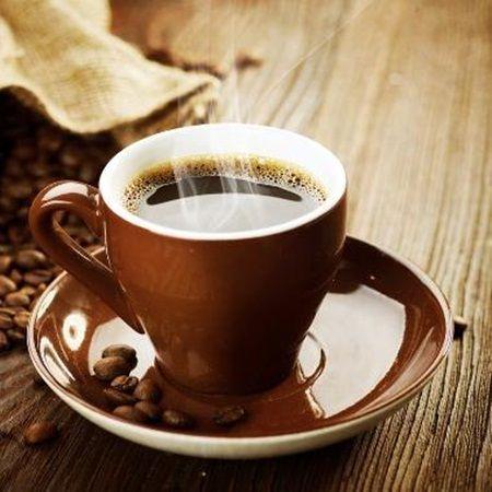 Bei zilnic cafea? La ce te pericole te expui