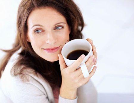 De ce este atat de periculoasa cafeaua pe timp de vara?