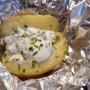 Cartofi rustici la cuptor. O masa rapida si gustoasa pentru fiecare zi