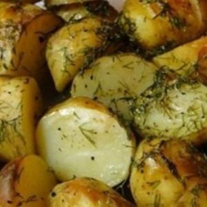 Sunt bomba de vitamine! Nu mai curatati cartofii proaspeti! Iata cat de utili sunt in coaja!