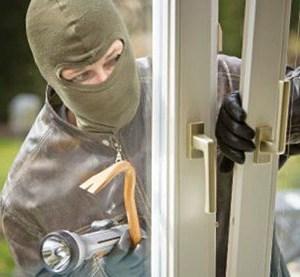 Cum sa securizezi casa atunci cand pleci in vacanta