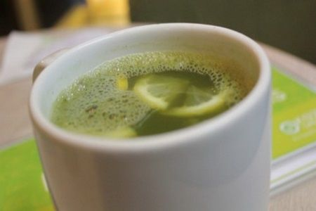 A baut 3 cani de ceai verde pe zi. Medicii au ramas fara cuvinte cand au aflat ce i s-a intamplat