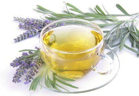 Efect miraculos! Ceaiul de lavanda dimuneaza disconfortul menopauzei