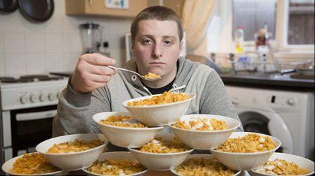 A mancat in fiecarezi 13 farfurii cu cereale, timp de trei ani