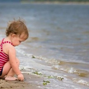 Toti faceti greseala asta! Nu mai duceti copii pana in 3 ani la mare, pentru ca …