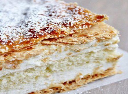 Crema de tort gata in 30 de minute - ideala pentru gospodinele aglomerate