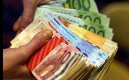 Daca te intorci, statul iti da 150.000 de euro, pe loc