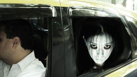 """Fantoma din taxi: O tanara a urcat, a spus adresa si a intrebat cu o voce de dincolo de mormant: """"Am murit?"""""""