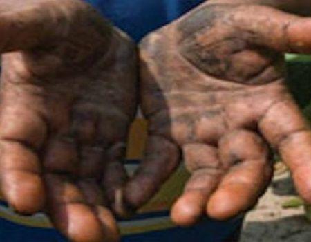 """Un tanar a mers la un interviu de angajare, iar directorul i-a spus: """"Arata-mi mainile"""". Ce a urmat te va face sa plangi"""