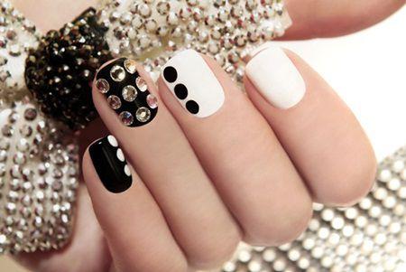 Manichiura vara 2015: se poarta unghiile decorate