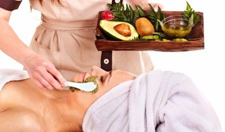 Masti cu avocado pentru frumusetea pielii tale