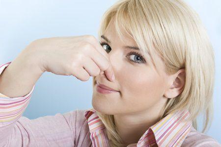 Bolile au miros diferit. Diabetul miroase ca acetona, cancerul la ficat miroase ca...