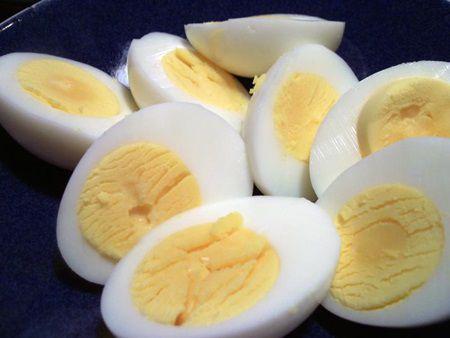 Ce se intampla cu corpul tau daca mananci trei oua pe zi. Cu siguranta vei vrea sa incerci si tu!