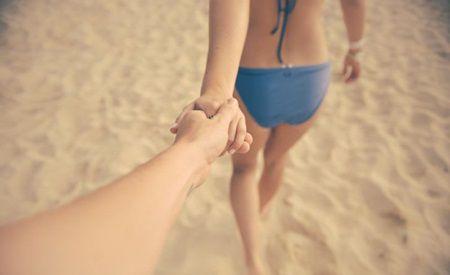 A intrat in vorba cu o fata, in vacanta si au ajuns pe plaja