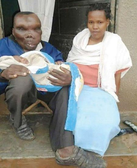 Cel mai urat barbat s-a insurat si a devenit tata pentru a opta oara! Cum arata sotia acestuia