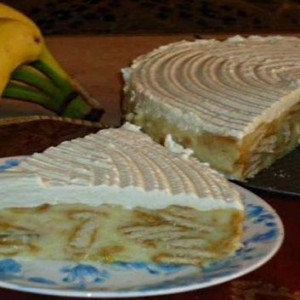 Un desert perfect dupa o masa grea. Prajitura rapida si delicioasa cu banane si biscuiti FARA COACERE