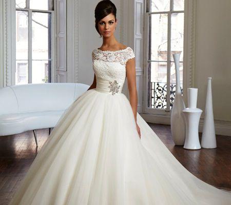 Modele de rochii de mireasa propuse de marii designeri ai lumii