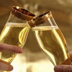 De ce se bea sampanie de Revelion? Intrebarea la care nu a stiut nimeni sa raspunda