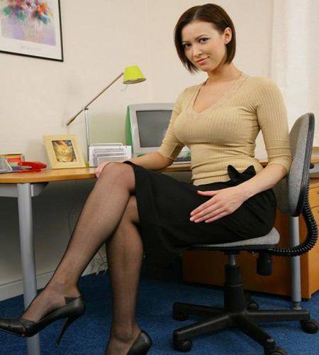 De ziua lui, secretara l-a invitat la ea acasa