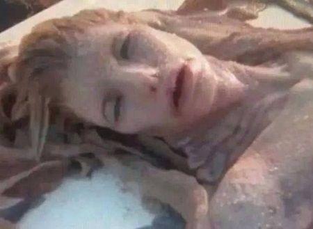 O sirena adevarata a fost descoperita moarta pe plaja! Vezi cum arata creatura