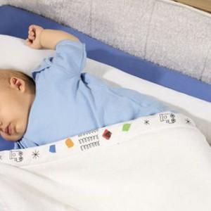 Uimitor! Ce afectiuni poate preveni pozitia de somn a bebelusilor