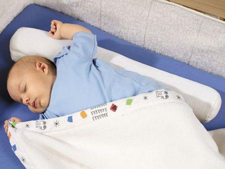 Ce afectiuni poate preveni pozitia de somn a bebelusilor
