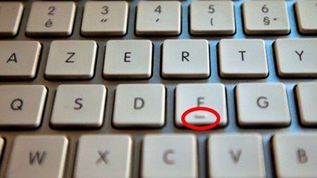 De ce pe toate tastaturile, literele F si J au doua mici denivelari