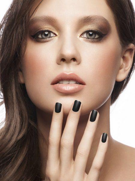 Ce spune culoarea unghiilor despre caracterul unei femei?